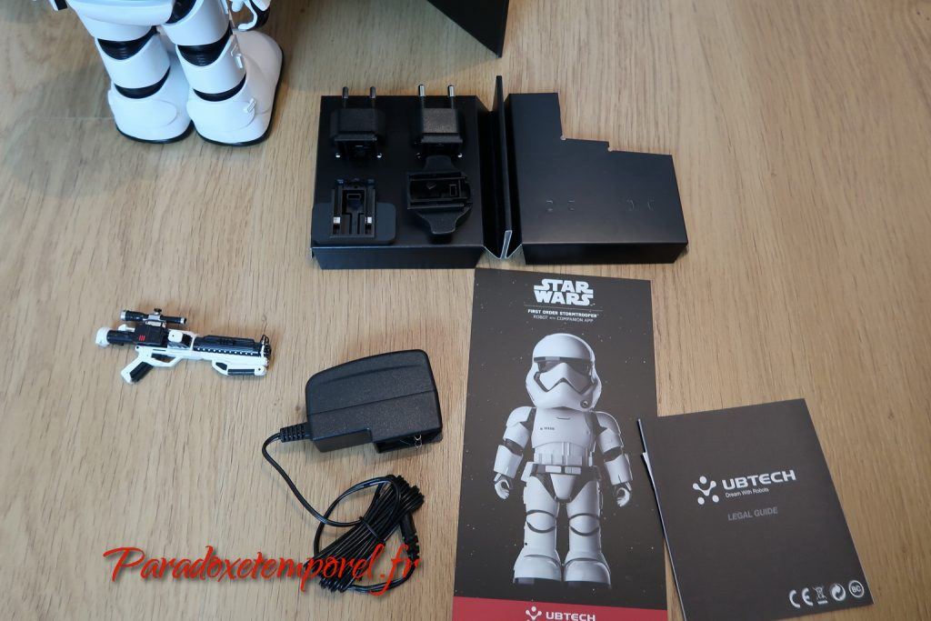 Unboxing Robot Star Wars First Order Stormtrooper de Ubtech