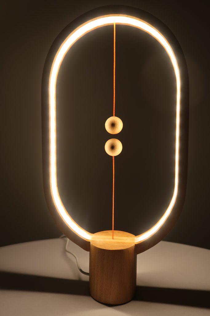 Test heng balance lamp