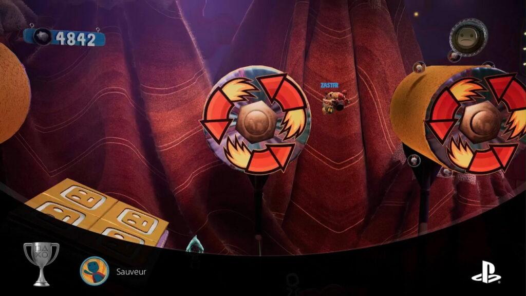 Sacboy PS5 saut en l'air