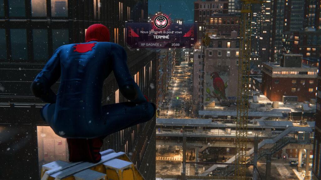 Spider-Man Miles Morales depuis un gratte ciel de New York