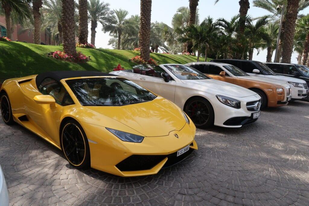 Voiture de luxe à Dubai