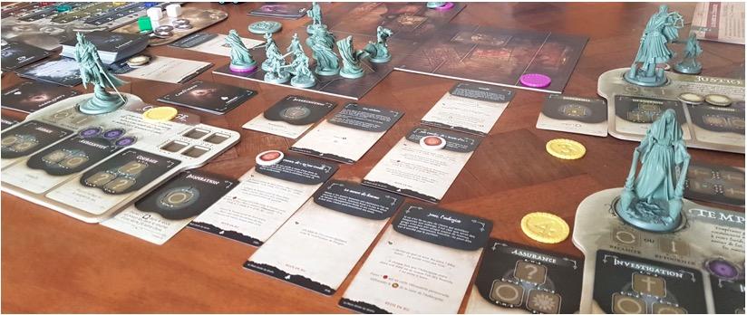 Les cartes et statues du jeu