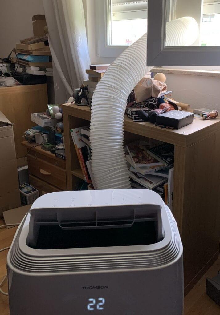 Climatisateur et son tuyau d'évacuation