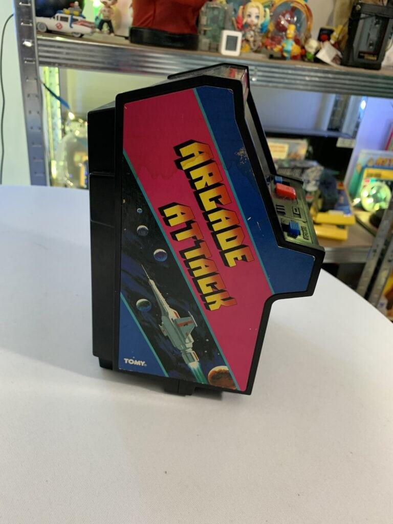 Vu de côté de Arcade Attack